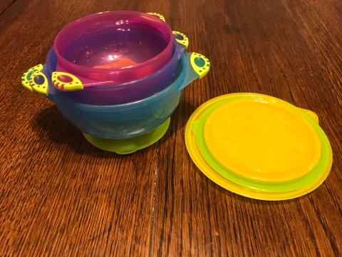 Bowls With Suction Cups and lids